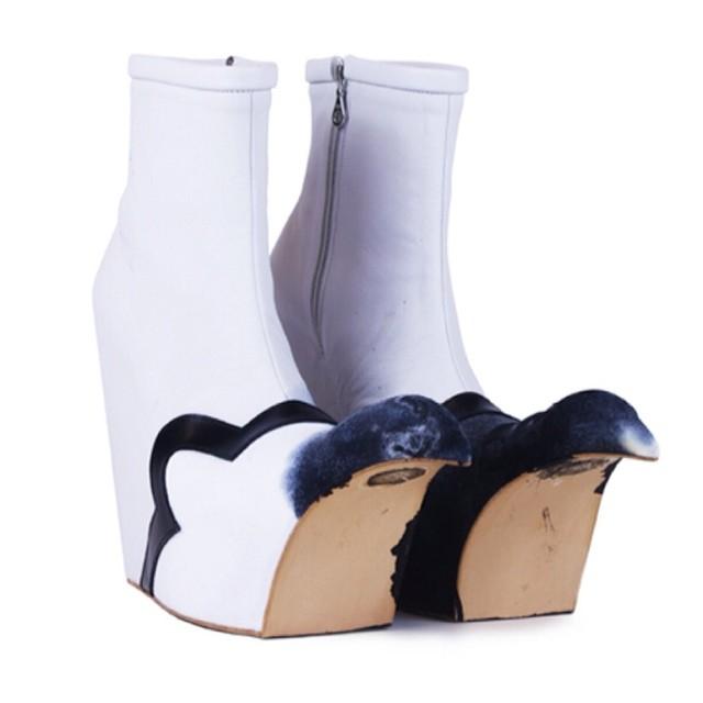 Benjamin John Hall 2014. Experimental footwear featuring a little ceramic assistance from me #porcelain #ceramics #toes #footwear