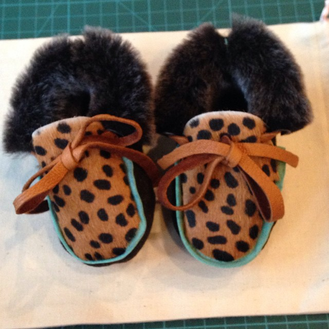 And here they are! #babysfirstshoes #handmade #moccasins Thanks @rosechoules – what a a great day xxx