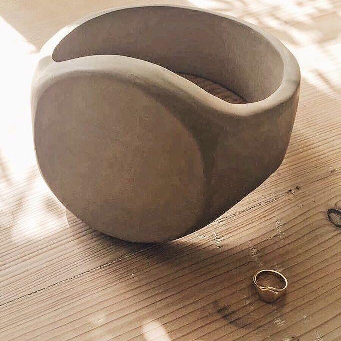 Work in progress – giant signet ring – – – – – #giantjewellery #signetring #ceramics